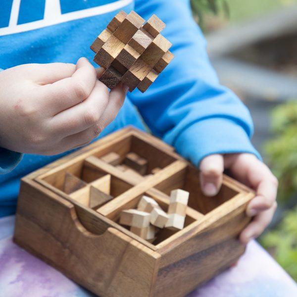4 puzzle box